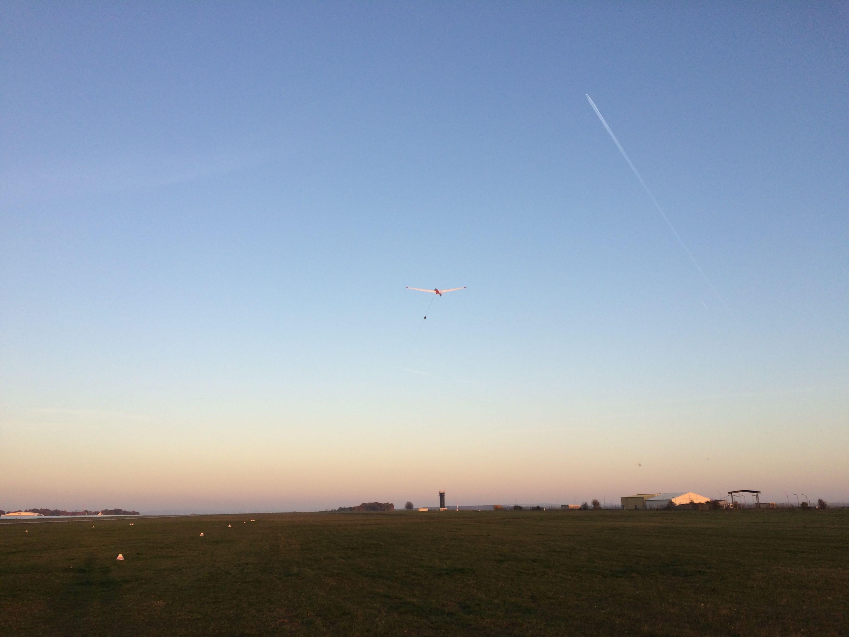 ASK 13 startet am Flugplatz Giebelstadt EDQG